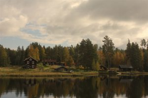 Enskvarn 22 september 2016. Färgerna blir allt murrigare i takt med att hösten fortlider.